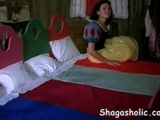 يجد سنو وايت جديدة كوم المنزل shagasholic