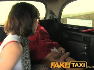 faketaxi الآباء قرنية فتاة يحب الديك