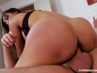 livegonzo فاتنة الآسيوية كاتسونى تتمتع الجنس الشرجي