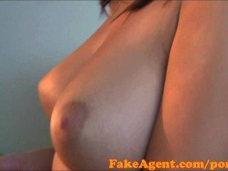 HD fakeagent ضخمة هواة الثدي الطبيعية في الصب