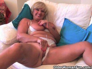 الجدة مع كبير الثدي يستمني معها الجنس جمع لعبة