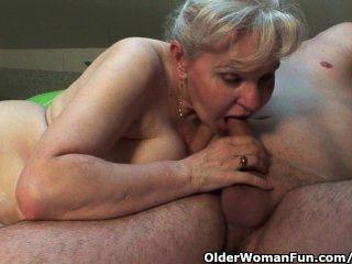 الجدة في الحرارة تحتاج إلى النزول على نصف الديك سنها