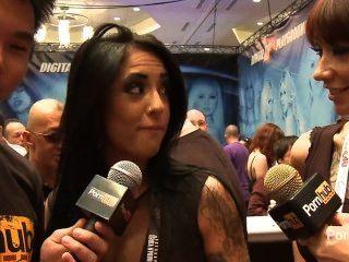 pornhubtv اليكسا آيمز مقابلة في 2014 AVN جوائز