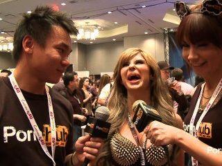 pornhubtv مقابلة شلوي الفوضى في 2014 AVN جوائز