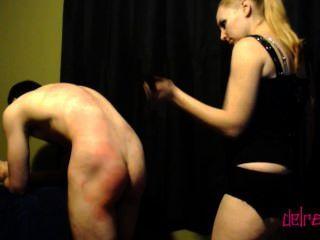 الهيمنة: الجلد والضرب والرقيق التبديل