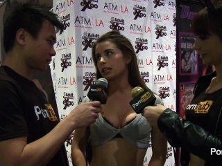 pornhubtv مقابلة حرية أرنب في 2014 AVN جوائز
