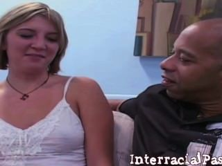 الأبيض في سن المراهقة kaycee يحب blackzilla الديك!