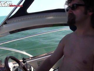 الأفلام متعة الألمانية فتاة مارس الجنس على متن قارب