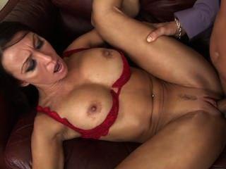 ممارسة الجنس مع مدرب من أجل تعزيز