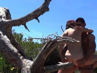 ديبورا ودييغو سخيف الأسبانية زوجين في الشاطئ
