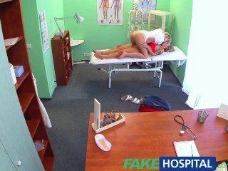 fakehospital ممرضة شقراء مطيع يغوي جنسيا مريض جديد مذهل