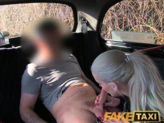شقراء الفاخرة faketaxi يمارس الجنس للحصول على فيديو لها التبول حذف