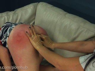 الهواة يحصل الشرج الخام من الطبيب سادية وممرضة مع قضيب جلدي عملاق