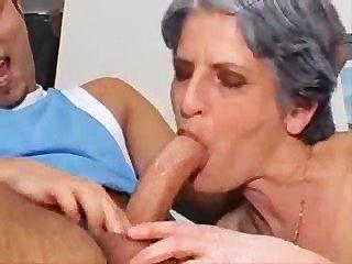 الفقيرة الجدة تندلع في يتوقف!