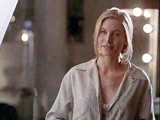 جولي أنجلينا في مشهد الجنس للمرة الأولى!