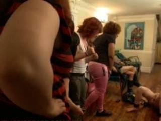 فيفيان ديل ريو هو حزم على مارس الجنس والإذلال في صالون الكاملة للمرأة