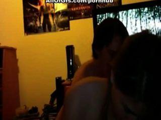 تحصل مارس الجنس فتاة أمام الكاميرا