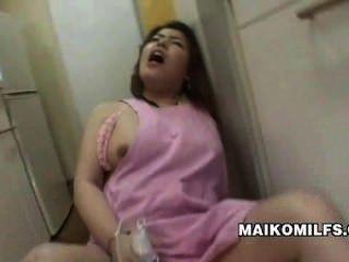 الجنس مخبول ربة منزل يابانية كانا مياجي