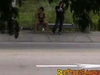 bestpublicflashing النظرات الخاطفة في محطة للحافلات ميامي