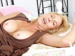 لورين إيريكا ناضجة يحب الحصول مارس الجنس