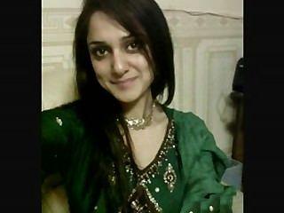 الفتيات الباكستانية الساخنة الحديث عن الجنس باكي بنت في هجاتهم