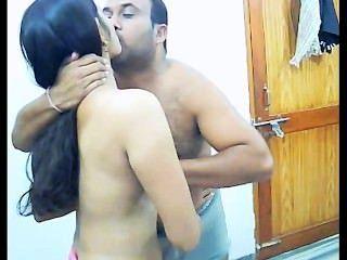 هواة الداعر زوجين الهندي في خصوصياتهم