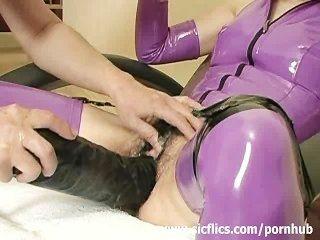 العبد المدقع مارس الجنس مع دسار ضخمة