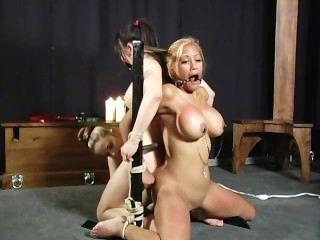 الآسيويين ملزمة ومارس الجنس المشهد 1