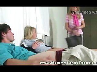 أمي يعلم زوجين شابين كيف يمارس الجنس prt11