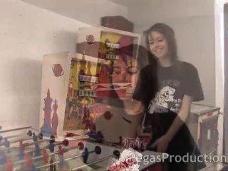 نيكي ايمو قرمزي فتاة بليارد