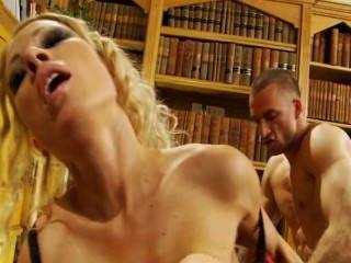 يمارس الجنس مع أمناء المكتبات 02