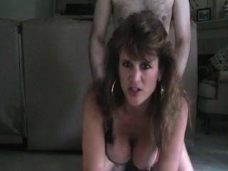أمي الساخنة الجبهة اسلوب هزلي الجنس التدخين
