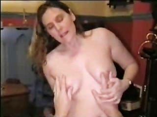 زوجة عازمة على ومارس الجنس
