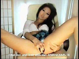 سوبر الساخنة الآسيوية مع كبير الثدي تجريد واستمناء