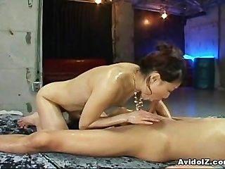 الآسيوية في سن المراهقة لطيف مع الحمار لطيف مارس الجنس صعبة!