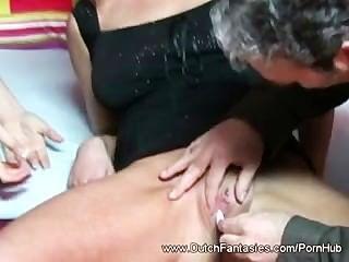 الهولنديين أحب أن يمارس الجنس