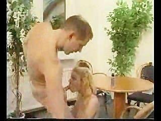 الساخن شقراء الألمانية مدرب اللعنة