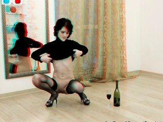 الجبهة خجولة مشعرات نفسها وإدخال زجاجة في بوسها 3D وراء الكواليس