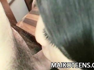 في سن المراهقة اليابانية airi كاواغوتشي الشرائح لديك في بوسها شعر