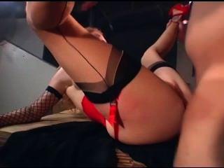 يحصل dped أحمر مثير في جوارب الملحومة حزام الرباط وقفازات