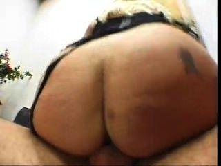 زوج يراقب زوجته قناع مارس الجنس من قبل رجل قرنية
