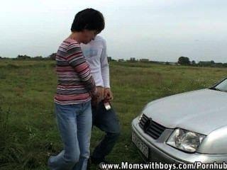 إصلاح سيارتي واسمحوا لي أن تمتص ديك الخاص بك