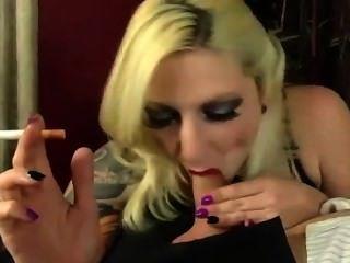 tatooed fugly BJ شقراء التدخين (نادرة)