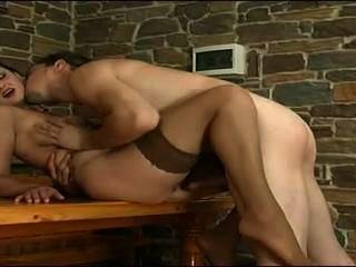 جبهة مورو يحصل مارس الجنس من قبل الشاب.