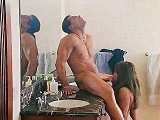 جبهة مورو مثير مارس الجنس في الحمام