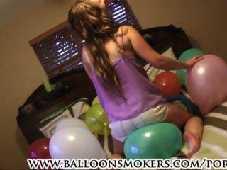 سامانثا الصيف في أول فيديو بالون من أي وقت مضى ظهرت