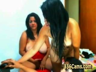 3 فتيات تجريد على كاميرا ويب