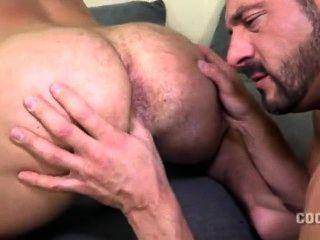 مارس الجنس بابا العضلات عارية