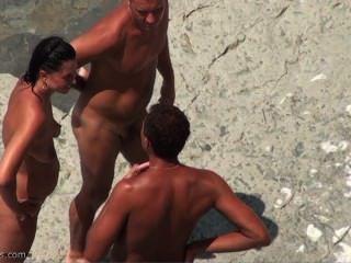 SPYCAM على الشاطئ عارية