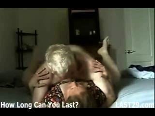 الساخن الداعر زوجين ناضجة على فيدس المنزل